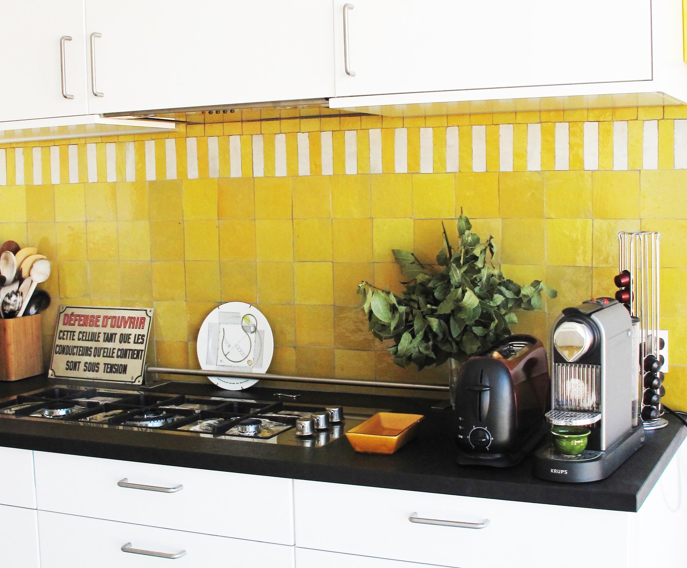 cuisine en zellige frise zellige art et sud d co. Black Bedroom Furniture Sets. Home Design Ideas