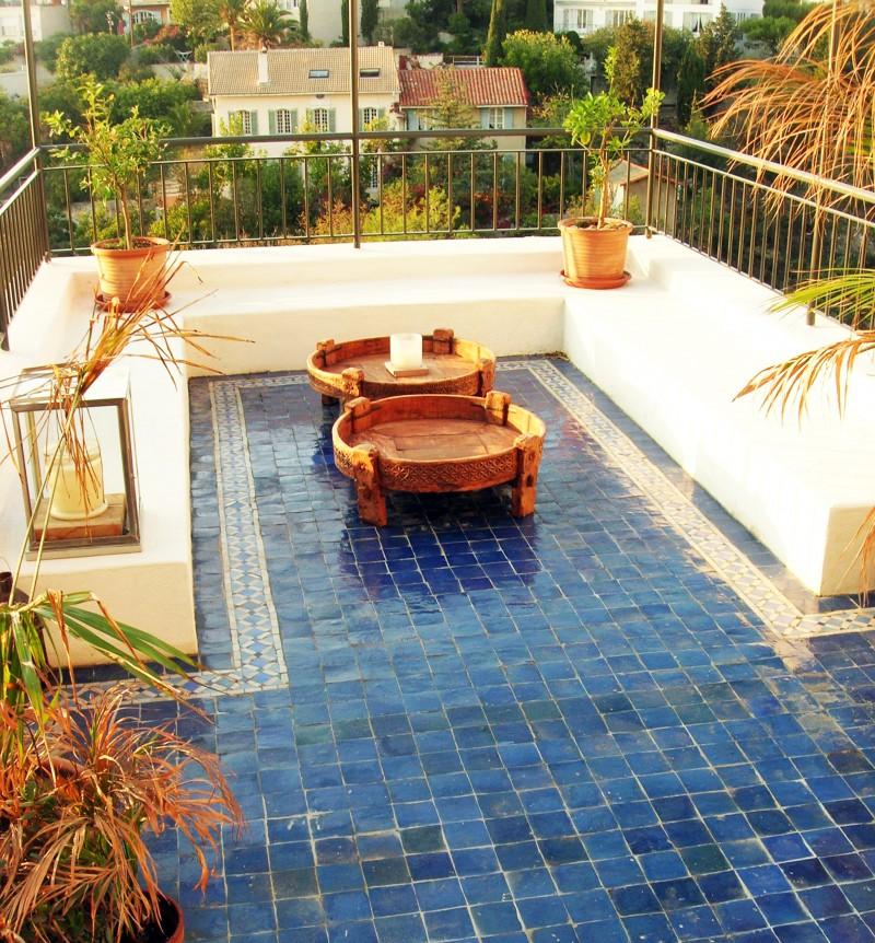 sol de terrasse en zellige art et sud d co. Black Bedroom Furniture Sets. Home Design Ideas