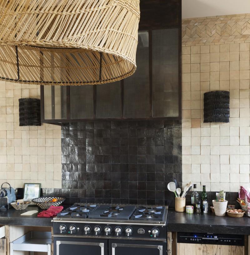 mur de cuisine en zellige art et sud d co