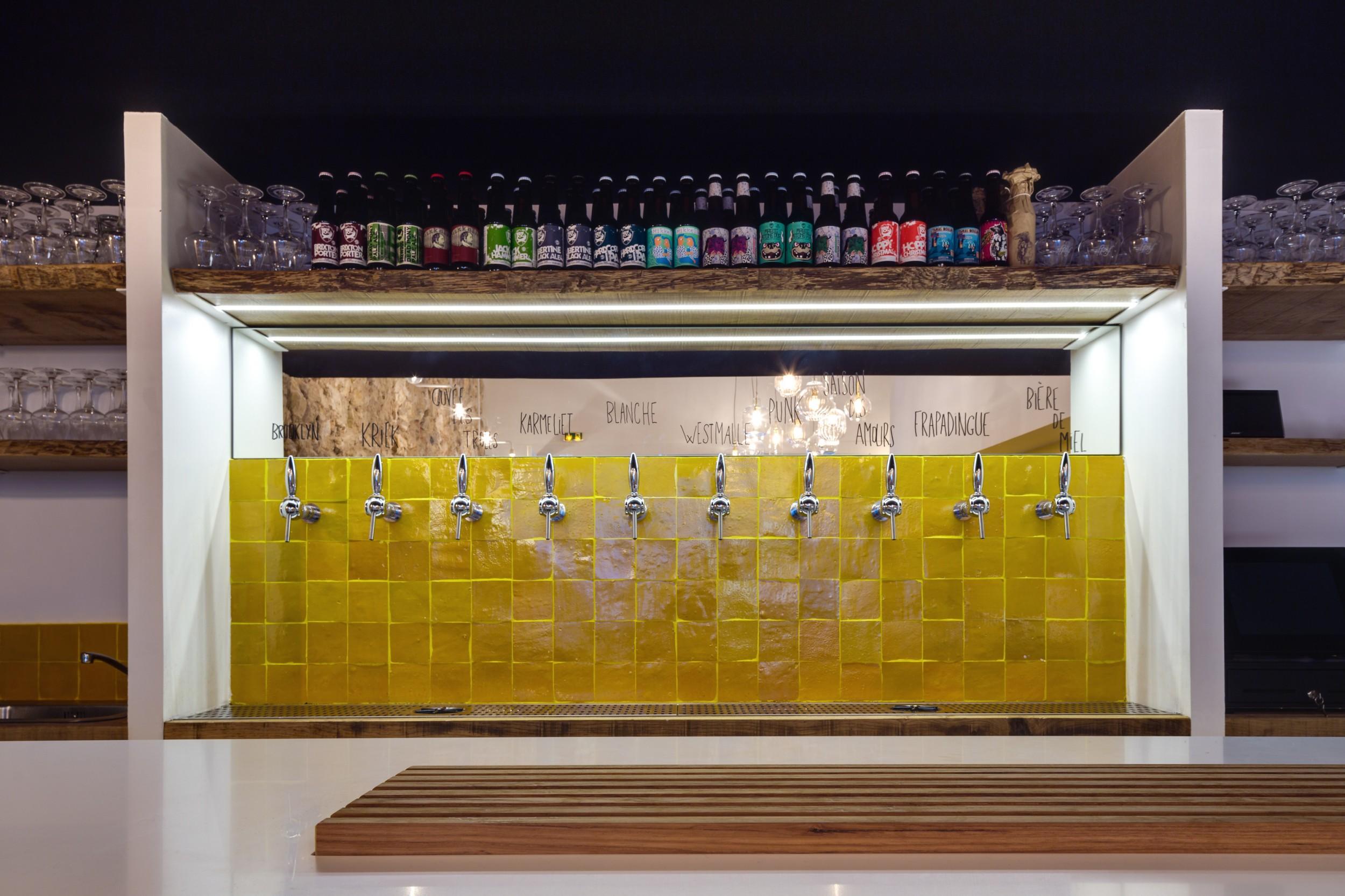 cr dence bar fietje beer art et sud d co. Black Bedroom Furniture Sets. Home Design Ideas